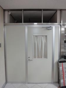 谷町線出戸駅救護室入口
